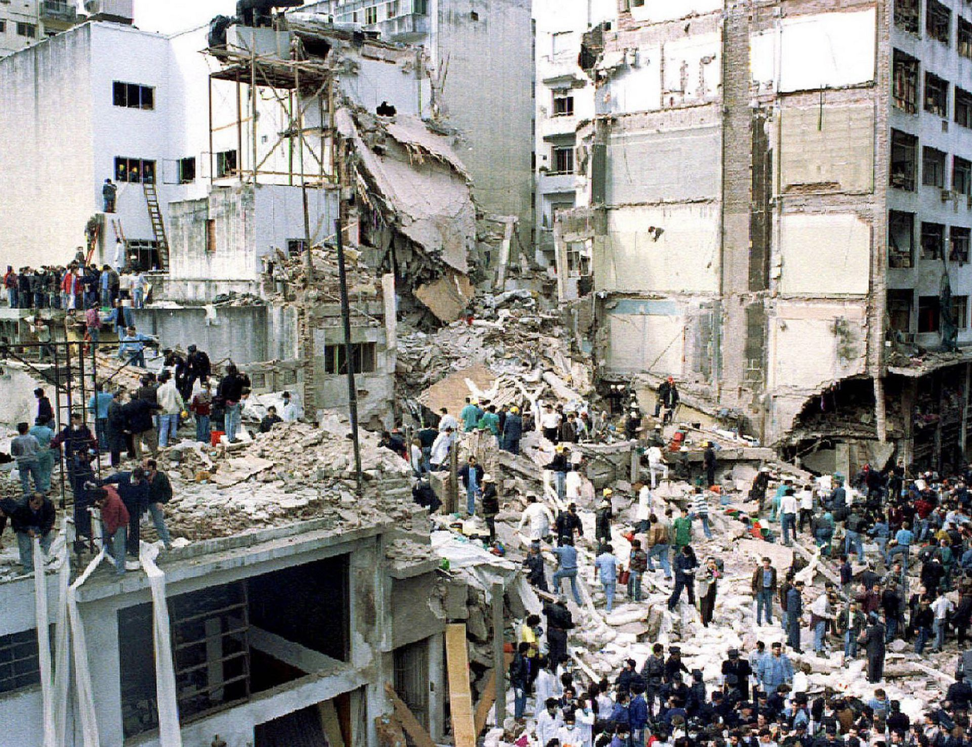 Image of the aftermath of the AMIA attack